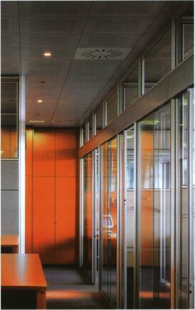 Металлические кассетные потолки совмещают эстестические и функциональные качества
